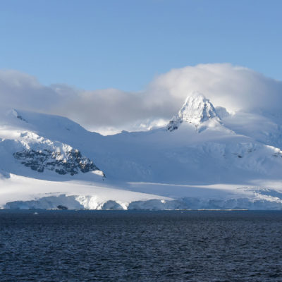 ahoy-antarctica-a-personal-rendition-of-the-white-continent_bg